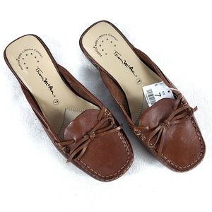 NWT Thom McAn Leather Loafer Slides